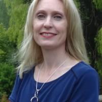 Tracey Simons